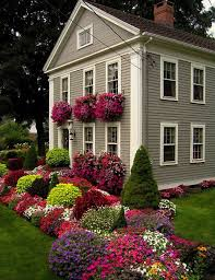 Wonderful Design Ideas Front Yard Flower Bed Curb Appeal 20 Modest Yet  Gorgeous Yards