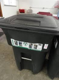 toter 96 gallon. Image 1 : Toter 96 Gallon Lidded Trash Can