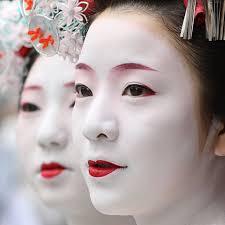 oriental makeup as a tradition and ishing look