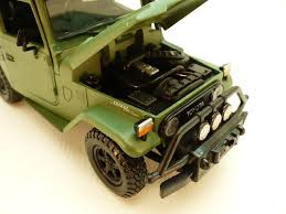 TOYOTA LAND CRUISER FJ40 vert OFF ROAD 1/24 661732791378 | eBay