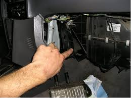 heater core removal replacement workaround kia forum disclaimer if you still use rounded end safety scissors don t attempt this i am not responsible for any injury to you or others or damage done to your