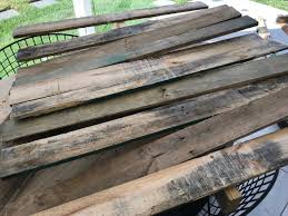 Each of the coffee tables take two pallets to make. Diy Round Pallet Coffee Table With Hairpin Legs