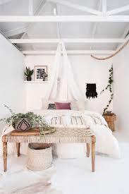 Schlafzimmer In Weiß Ideen Wie Der Raum Freundlich Und Hell Wirkt
