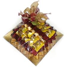 send gifts to dubai and amaze your loved ones who are not near to you