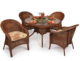 hampton 5 piece round dining table set in pecan glaze finish by palm springs rattan 848gr pg