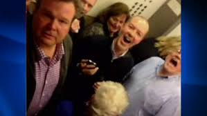 people stuck in elevator. stars of \u0027modern family\u0027 stuck on elevator people in e