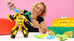 Nicoles Spielzeug Werkstatt - Bumblebee von den Transformers braucht Hilfe  - YouTube