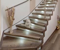 Klassische treppen aus beton und stein sind meist günstiger, als modernere konstruktionen aus glas oder metall. Treppenrenovierung Und Treppensanierung Hafa Treppen