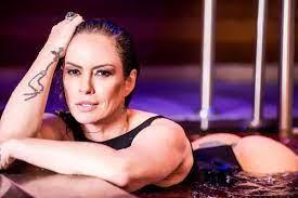 Núbia Oliiver revela que já saiu com 400 homens: 'acho pouco' |  Celebridades