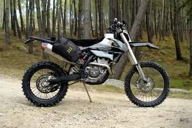 wtf el solitario just built two super practical dirt bikes bike