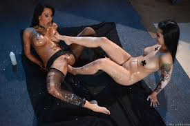 Lezley Zen and Katrina Jade lick feet and pussy in stockings.
