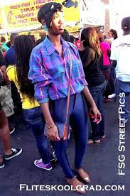 Jeanie Joseph - Express Flowly Top, Levi's® Vintage Recreated Shorts,  Valention ( Garavani) Lace Cross Body, Sam Edleman Sling Back Peep Toe -  Best Thing I Never Had | LOOKBOOK
