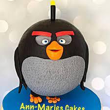 Black bomb angry bird | Angry birds cake, Angry bird, Kids cake