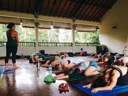 how much do yoga teachers make