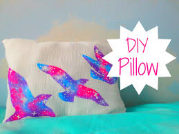 32 how to make a no sew pillow tutorial from thrift diving 100 images tutorial no sew t shirt