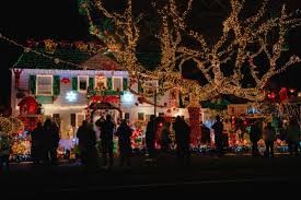 Best Places In Seattle To See Christmas Lights Seattles Best Holiday Lights Tour Seattle Tours Tours