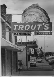 Black Light Run Bakersfield Nothing Fishy At Trouts Says Manager In Response To