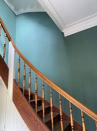 Eng, dunkel oder viel zu groß mit wenig nutzbarerer wandfläche. Treppenhaus Welche Farbe Passt Am Besten Farbefreudeleben