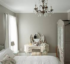 bedroom with mirrored furniture. mirrored furniture in the bedroom 5 with a