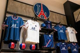 We would like to show you a description here but the site won't allow us. Paris Saint Germain Opens First Retail Store In Los Angeles Hypebeast