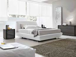 tomaa seville leather bed
