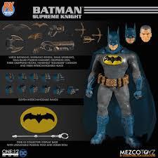 Mezco Toyz Previews Exclusive - DC Comics Supreme Knight Batman One:12  Collective Figure