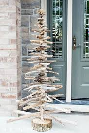 Image Lights 15 Easy Diy Outdoor Christmas Decorating Ideas This Christmas Stay On Budget And Make Your Home Look Beautiful With These 15 Easy Diy Outdoor Christmas Pinterest 15 Easy Diy Outdoor Christmas Decorating Ideas Hollidays