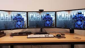 Giá treo đỡ 3 màn hình tốt nhất trên thị trường hiện nay - Sao Hải Vương