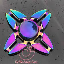 Con quay Finger Spinner 4 cánh phản quang kim loại cao cấp