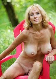 Sexy Curvy Women Naked Mature