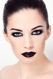 gothic makeup tips for channeling your dark side
