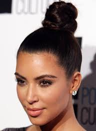 simple twisted topknot bun