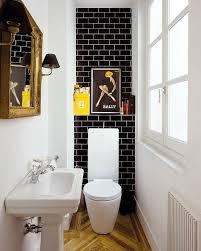 black white small bathroom design idea