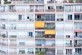La Spagna propone di pagare i giovani per farli andare a vivere da soli -  Social Good
