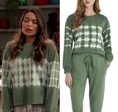 Who was freddie mercury closest to in queen? Icarly Revival Season 1 Episode 4 Carly S Green Tie Dye Sweatshirt Shop Your Tv