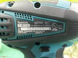 Máy bắt vít Nhật Makita XDT01 không chổi than dùng pin 18V