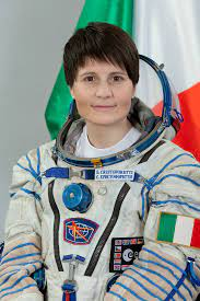 Astronaut Biography: Samantha Cristoforetti