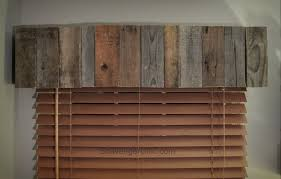 bamboo or pallet wood valance easy diy scavenger chic pallet