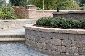 best wall units for retaining walls with curves in new hampshire