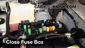 replace a fuse 2012 2015 chevrolet captiva sport 2012 chevrolet 6 replace cover secure the cover and test component