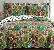 Amazon.com: Quilt Coverlet Set King/Cal King Oversized Moroccan ... & Amazon.com: Quilt Coverlet Set King/Cal King Oversized Moroccan Boho  Mandala Geometric Pattern Green Gold Wrinkle Free Lightweight Reversible  Hypoallergenic ... Adamdwight.com
