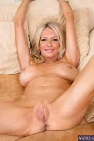 Free hot blonde milf porn videos