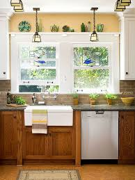 what goes with oak cabinets wood floors blue brown