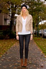 vancouver fashion blogger alison hutchinson wearing urban outfitters tan vegan leather jacket and black