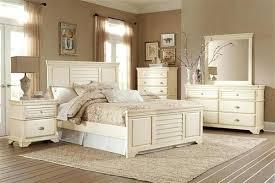 Cottage Style Bedroom Sets Cottage Antique White Wood Master Bedroom ...
