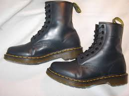 dr martens womens high top 1460 boots smooth navy blue leather sz 8 eur 39 blue dr martens qh6088 dr martens mono black 1461 dr martens mono black 1461