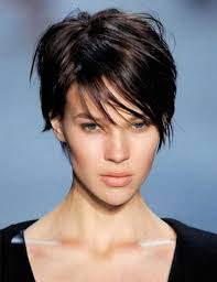 short haircuts for women with thin hair