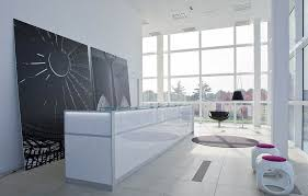 Office lobby decorating ideas Reception Officeimpressive Modern Office Lobby Decor Ideas Using Clear Glass Divider And White Chairs Innovative Home Decor Ideas Office Impressive Modern Office Lobby Decor Ideas Using Clear
