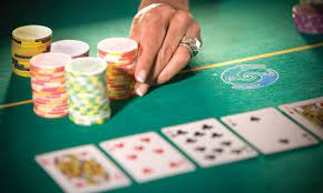 """Do You Have A Poker Voice? – Dr. """"mOe"""" Anderson"""