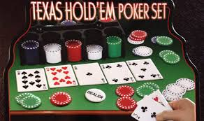 How to play Texas Hold'em Poker | Official Rules | UltraBoardGames